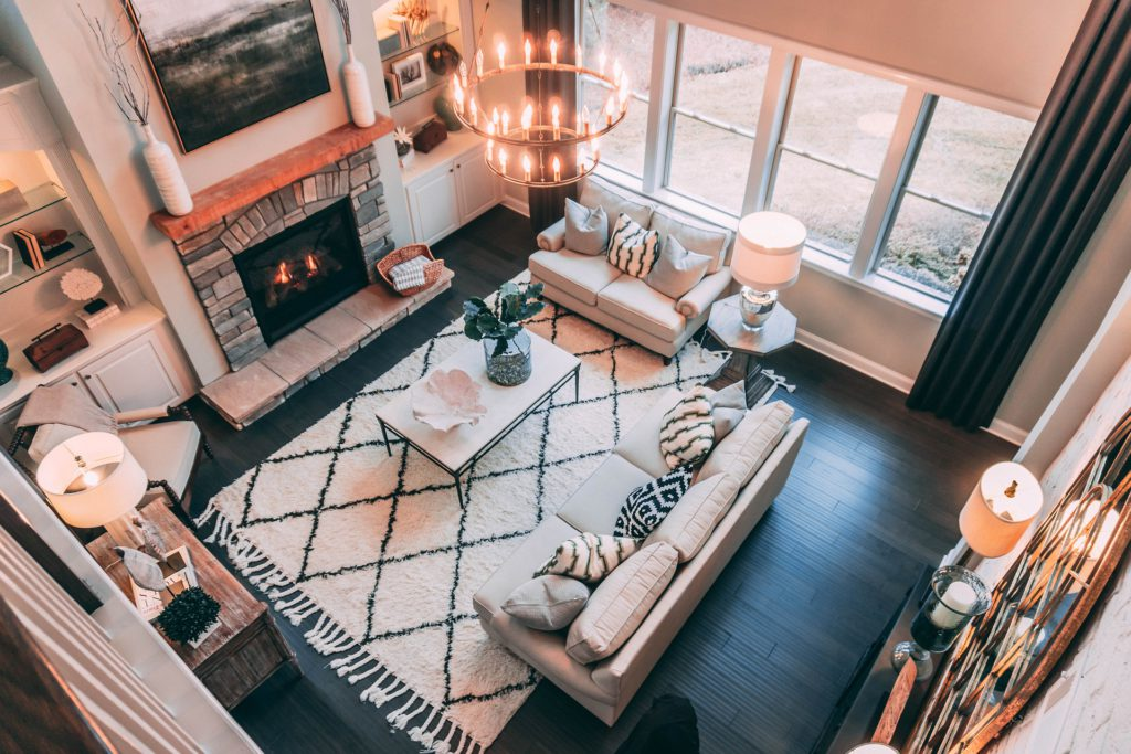The Pros and Cons of Home and Virtual Staging